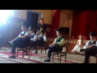 танець з випускного в Підкормільському дитячому садочку....