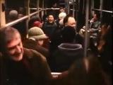 100% заразительный смех до слёз!!! Передай дальше!Короткометражный фильм Кристиан Ламберт о человеке, заразительно смеющемся в метро.