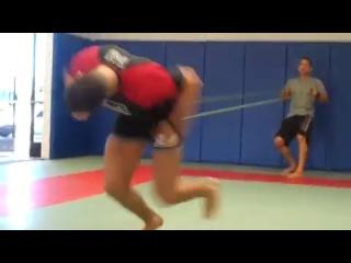 Тренировка Диего Санчеза на силу и выносливость nhtybhjdrf lbtuj cfyxtpf yf cbke b dsyjckbdjcnm