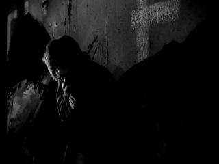 Советский солдат воспитывает молодого фашиста (фрагмент из кф Мир входящему, 1961 г.)
