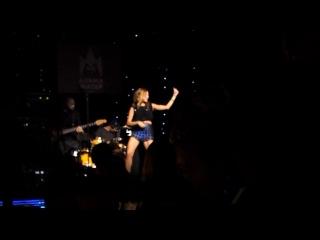 Наталья Подольская, Альма-Матер, видео из личного архива группы http://vk.com/club_vladimir_presnyakov
