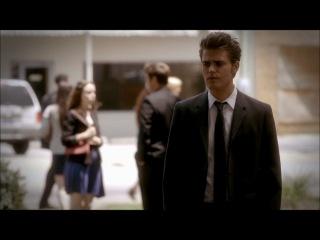 Деймон помогает Елене;  Стефан и Деймон о её проблемах с обращением (