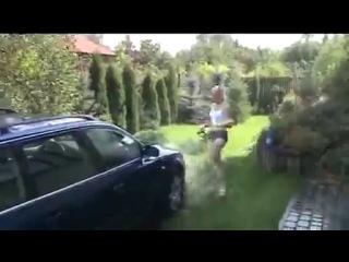 Priveste cum se spala o masina