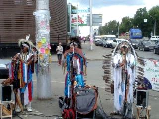 Лирическая мелодия  перуанских индейцев, г.Уфа,остановка Округ Галле по проспекту Октября,концерт 30 августа 2013г.