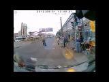 Как бабушка переходила дорогу (((