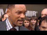 Will Smith Slaps Kissing Reporter - RAW VIDEO