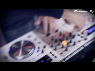 Pioneer Wi-Fi DJ System XDJ-AERO-W Pearl White DJ Antonin performance