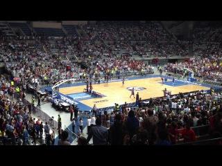 9 октября 2012. Командное Шоу Данков в перерывах на матче баскетбольной Барселоны - Даллас Маверикс (НБА)!