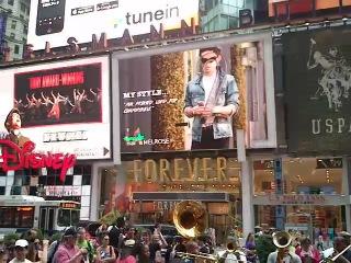 Тайм Сквер, Нью-Йорк 2013 года