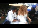 Мерайя Кери выступила в Центральном Парке Нью-Йорка со вывихнутым плечом 2013