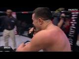 Однорукий боец Ник Ньюэлл становится чемпионом XFC в легком весе