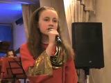 Песня Отличница, поёт Анечка, старшая группа оркестра. Первомайский Дом детского творчества, г. Мурманск.