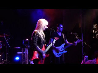 Gary Hoey and Lita Ford  (Relentless)