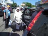 Бабуля каратистка наказала девушку за рулем