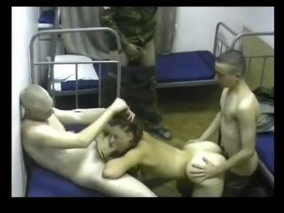 Шикарная медсестра получает в жопу пенис американского солдата