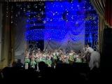 Зі Святим Миколайчиком всіх вітає зразковий танцювальний колектив