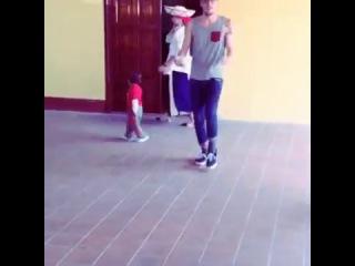 Kendall Schmidt - dancing with a fans:D