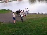 Гей парад в Красноярске или Боевые п....ы против быдла (18+)