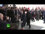 Шлюшка хотела по трогать президента или Как работает охрана Путина)