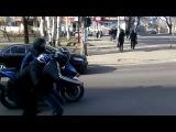 Байкеры на светофоре  - Мотоциклы и мотоциклисты | Yamaha | Ktm | Honda | Suzuki | Ducati | Bmw | Kawasaki | Стантрайдинг | Трюки | Слет | Дрифт | Прохват | Дтп | Прикол | Мото |  Гонки | Драг |  Спортбайк | Драка | GoPro |