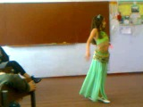 Девчонка Эминешка из 6 класса класно танцует восточный танец