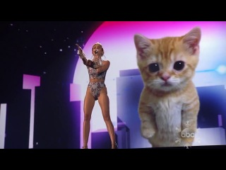 Miley Cyrus - «Wrecking Ball» (Live @ AMA 2013).