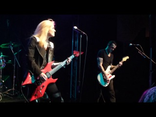 Gary Hoey and Lita Ford  (Kiss Me Deadly)