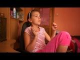 У девочки красивый голос,поет замечательно!!!Правда псих,но все же)