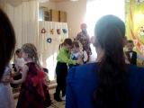 стоят девчонки,стоят в сторонки))))))))