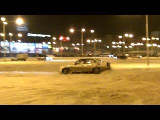радуюсь снегу на омеге!)) (опель омега А)