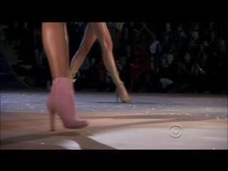 Rihanna - Phresh Out The Runway (Victoria's Secret Fashion Show 2012)