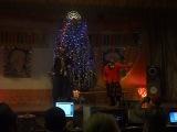 новые русские бабки)квн новый год))команда из Русского Сарса на музыкальном номере)))