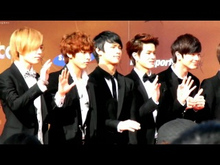 [FANCAM] BTOB -  27th Golden Disk Awards Live In Malaysia Red Carpet