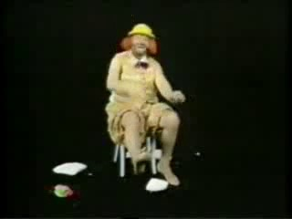 BENNY HILL - striptease