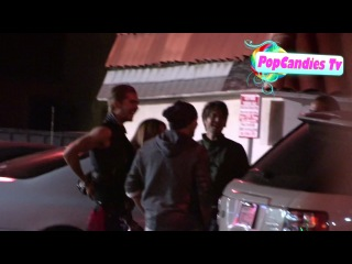 Эксклюзив! Tokio Hotel Билл Каулитц и Том Каулитц  Astro Burger в Лос-Анджелесе 2