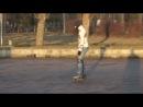 Тернопіль, парк Шевченка. Дівчина на роликах.