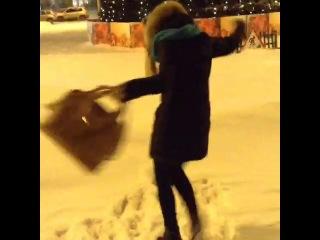 Танец злой снежинки!