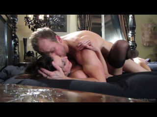 Kendra lust (breaking and entering bts)