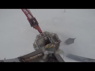 Shanghai Tower 650 meters( Российские руферы Виталий Раскалов и Вадим Махоров без страховки покорили 650-метровую Шанхайскую башню )