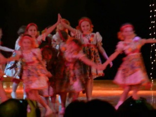 Выступление Ренаты, танец -