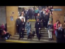 Хор МВД устроил флешмоб в метро ко Дню полиции - Хор МВД России всколыхнул [[166556671]]