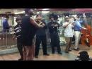 Классное выступление музыкантов в метро Нью-Йорка!