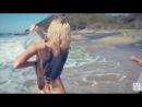 Голая блондинка позирует перед фотографом на берегу моря под музыку. Playmates Miss May 2013 - Kristen Nicole - Behind The Scenes