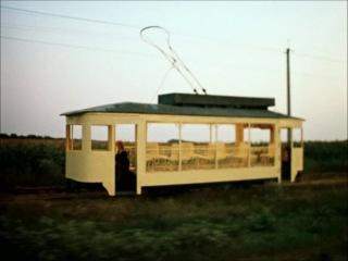 Е.Камбурова (за кадром) — «Где же ты, мечта?» (из к/ф «Раба любви», 1975). В кадре - Елена Соловей.