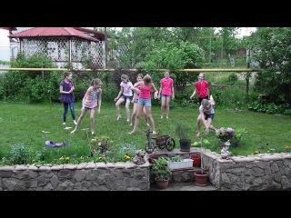 Эксклюзивный танец босиком на травке 25 мая 2013 д/п Дубрава :)