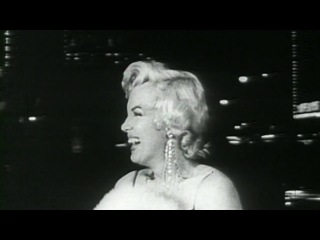 Marilyn and N°5 - Inside CHANEL