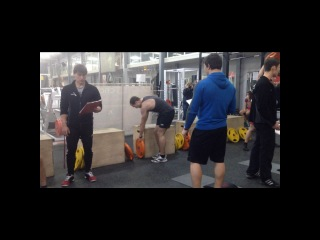 New Year Crossfit Games (Round 2). 20 burpee, 14 lunges, 20 sit-up, 14 push press, 20 SDHP, 14 swings, 20 trasters, 14 box jump