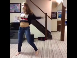 Funny Vines- Amymarie Gaertner Dances To Eminem's Rap God