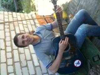 жестокое насилие над моей гитарой