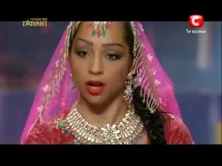 Светлана Туласи = Индийский танец
